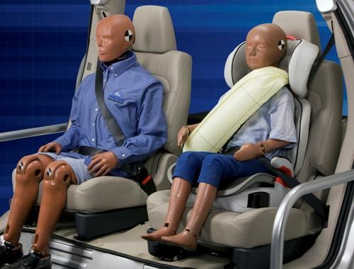 Nieuwe autogordel moet kinderen beter beschermen