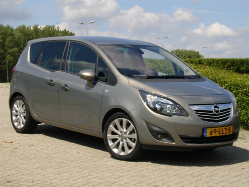 ikvader test de nieuwe opel meriva. Black Bedroom Furniture Sets. Home Design Ideas