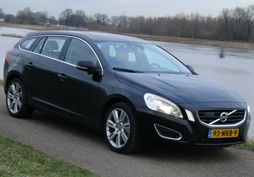 De Volvo V60 is toch wel de meest ronde Volvo die wij ooit zagen